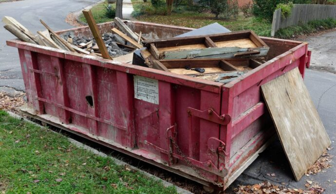 Dumpster rental 10 yard-Gulf Coast Waste Dumpster Rental Solutions-We Offer Residential and Commercial Dumpster Removal Services, Portable Toilet Services, Dumpster Rentals, Bulk Trash, Demolition Removal, Junk Hauling, Rubbish Removal, Waste Containers, Debris Removal, 20 & 30 Yard Container Rentals, and much more!